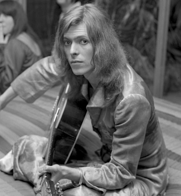 David Bowie's 1971: Hunky Dory, Arnold Corns and the Conception of Ziggy Stardust